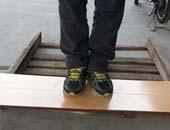 """扬子E0防水强化地板YZM2007 可以""""煮着吃""""的地板"""