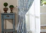 3、蓝调窗帘,享受春风拂面的清新